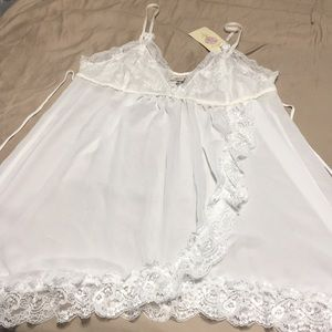 Other - In bloom white lace lingerie